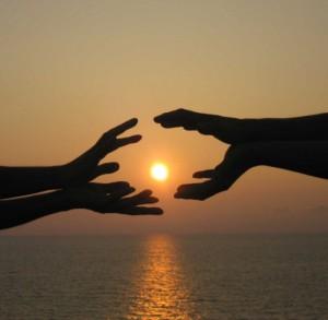 Руки_друг к другу